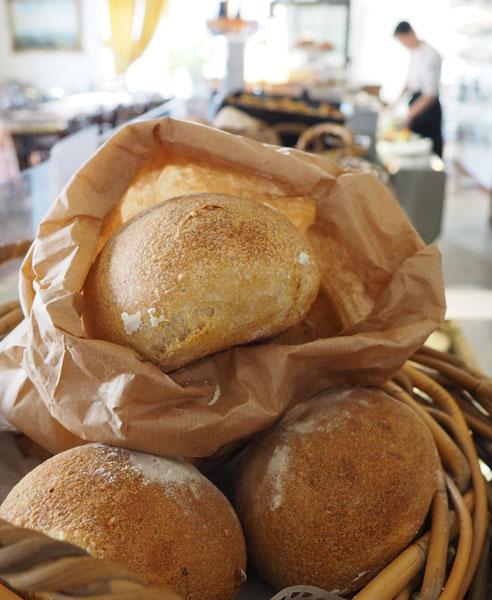 Cabriolen leipiä odottamassa asiakkaitaan